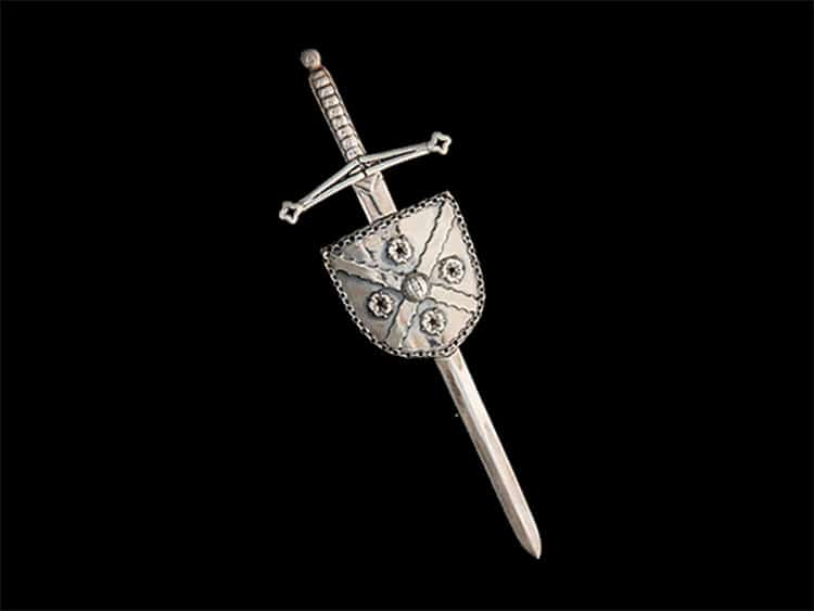 Clan MacFarlane Society Heraldic Kilt Pin created for International Clan MacFarlane Society Inc's fundraising drive benefiting Clan MacFarlane Charitable Trust. ©royal-publishing.com